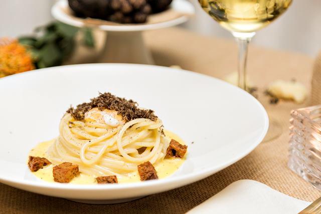 Spaghettone al tartufo nero pregiato