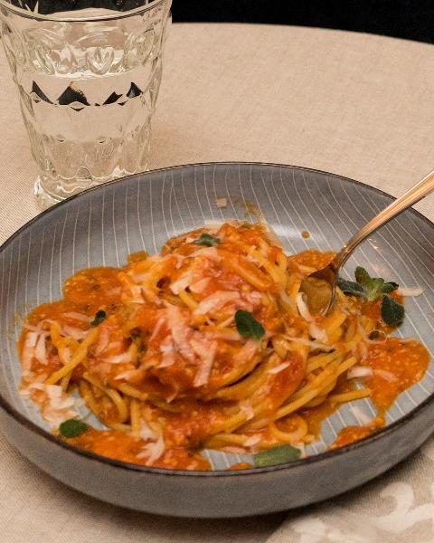 Stilelibero - Spaghettoni con pomodori del pendolo
