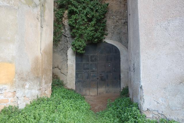 Tenuta Fiorano - La porta della cantina storica