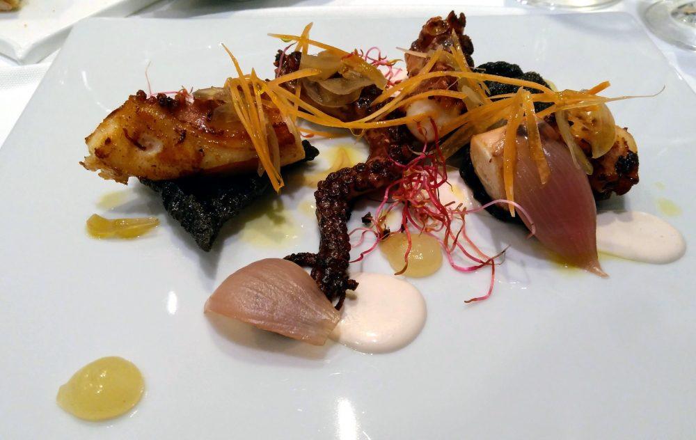 Riccio's - polpo arrosto, verdurine croccanti, cipolle in agrodolce e limone candito