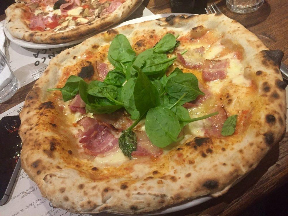 Franco Manca Southampton - Una 'special' con pancetta, stilton e erbette fresche