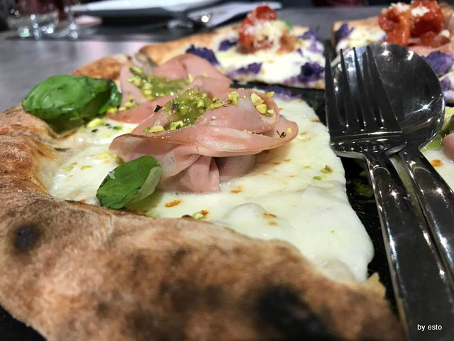 1000 Gourmet pizza mortazza e pistacchi