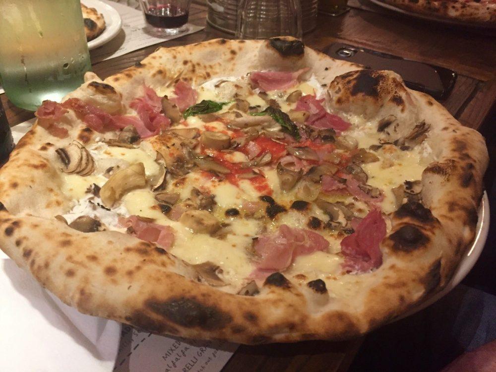 Franco Manca Southampton - Prosciutto, funghi, mozzarella e ricotta