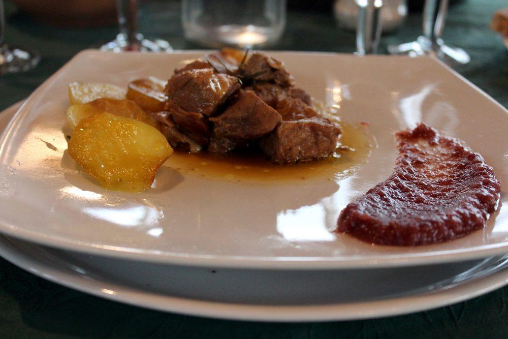 Le Campestre – carne di maiale, patate e purea di melannurca al casavecchia