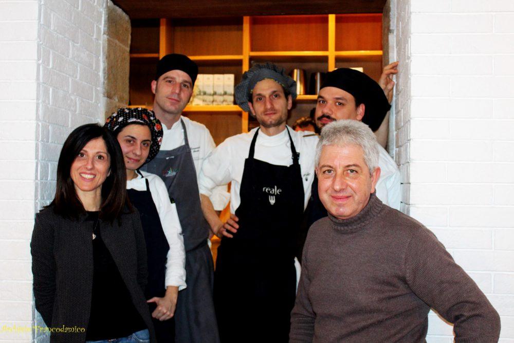 Spazio Zero Rivisondoli AQ - Sabrina Romito e lo staff con Franco D'Amico