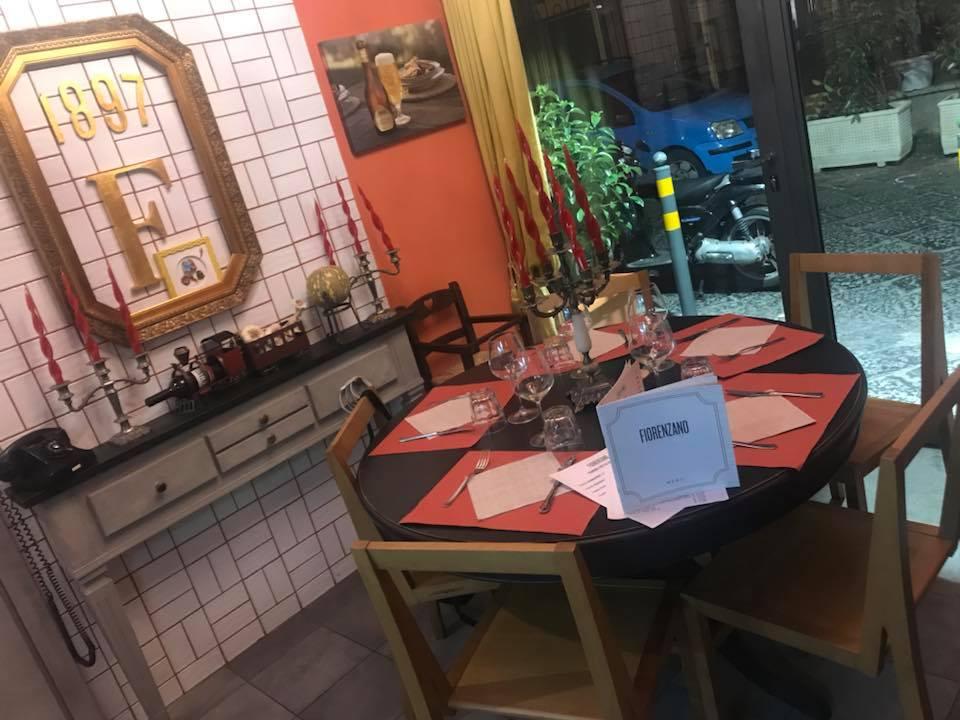Pizzeria Fiorenzano, il tavolo