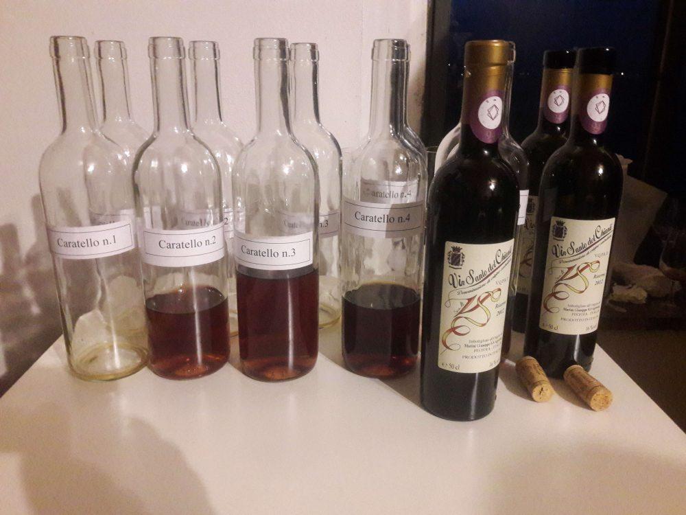 Assaggio del Vin Santo dai Caratelli - Le bottiglie campione