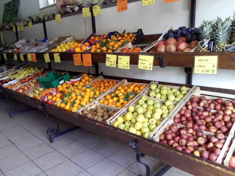 Azienda Agritutristica Parmenide Banco delle frutta