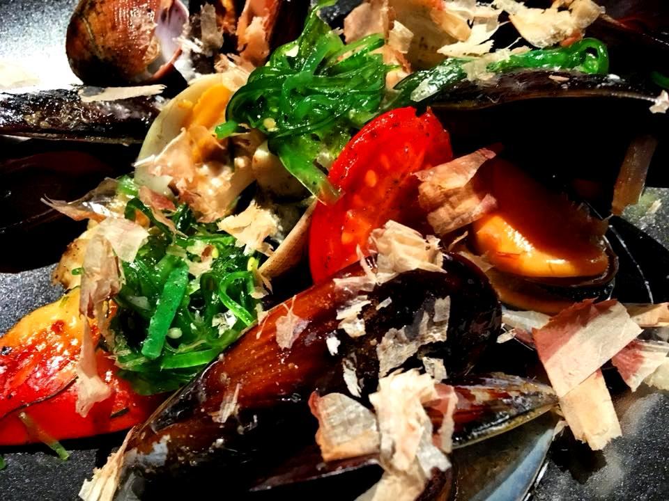 HBToo, Seafood BBQ
