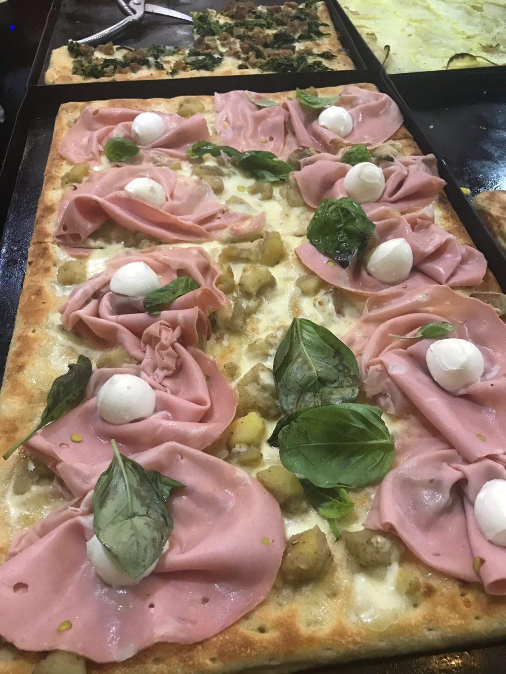 Il Trancio - Pizza Bianca con Mortadella e Mozzarella