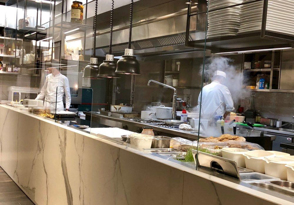 Lipen, lampade a infrarossi nella nuova cucina a vista