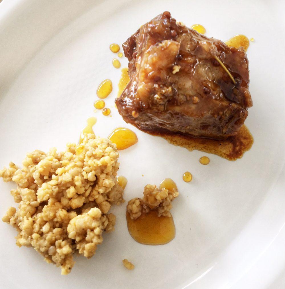 Pig. Gennaro di Pace - costina con camomilla miele e crumble di burro di arachidi