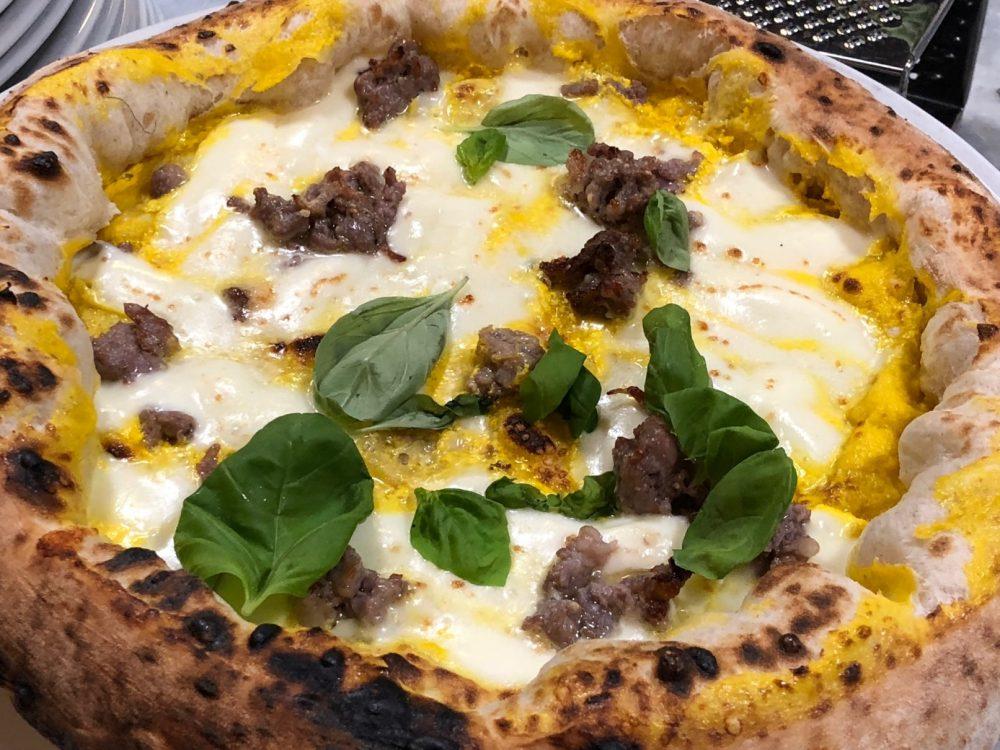 Pizzeria P, la P11 presa al volo