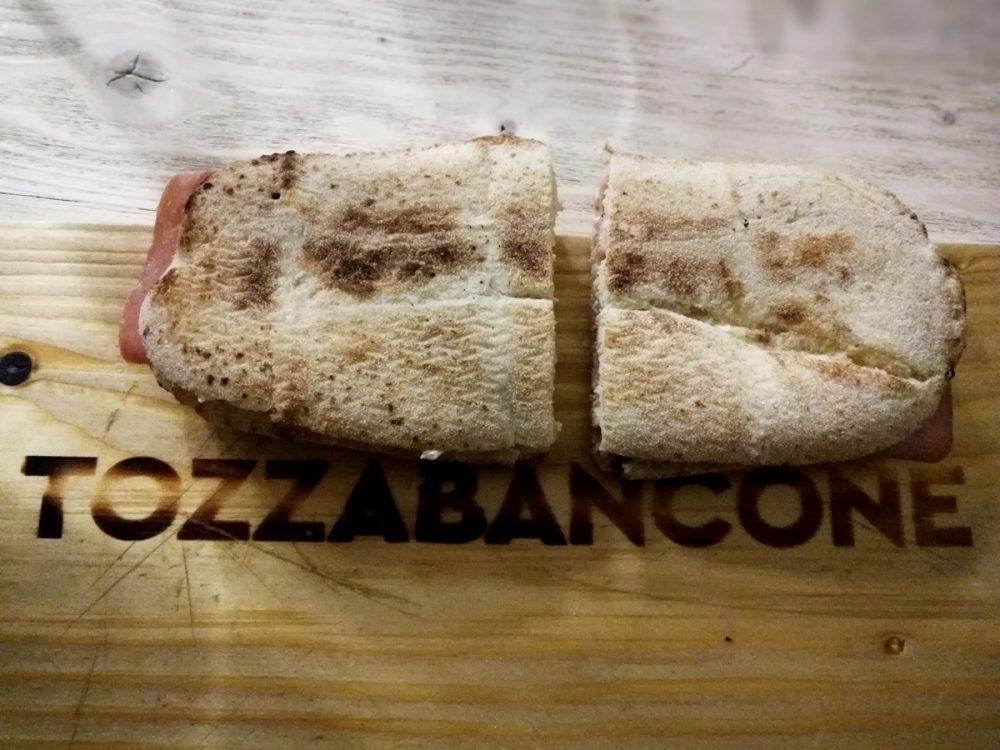 Tozzabancone - Panino con la mortadella di Bologna