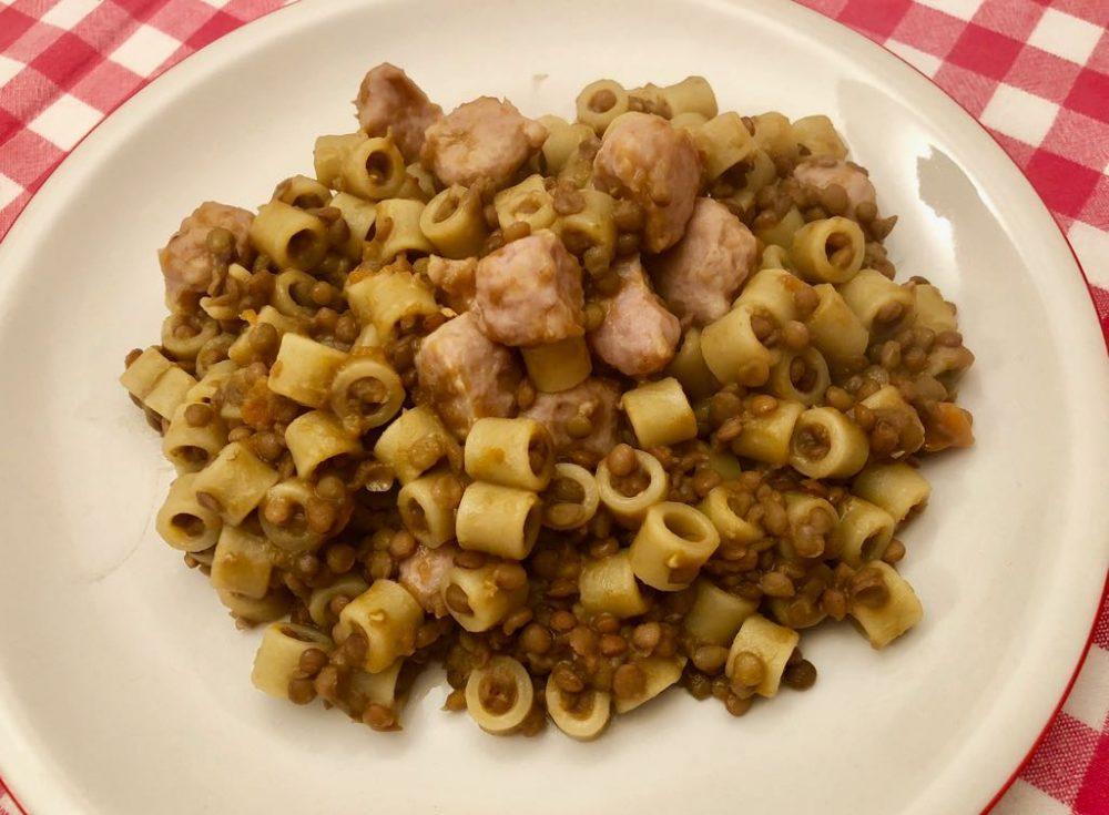 Tubetti lenticchie e salsiccia, il mio piatto di conforto
