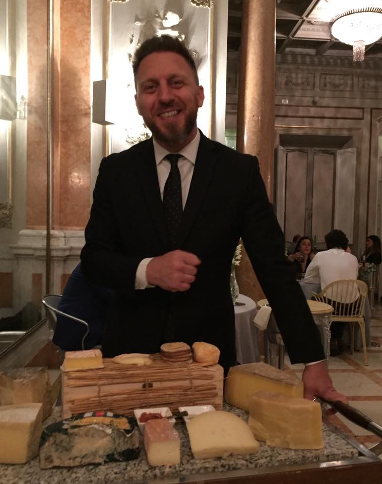 Enoteca La Torre, Luigi Picca con i formaggi