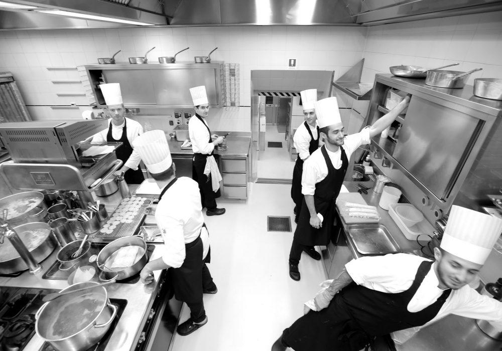 Enoteca Pinchiorri, cucina - Credits Gianni Ugolini