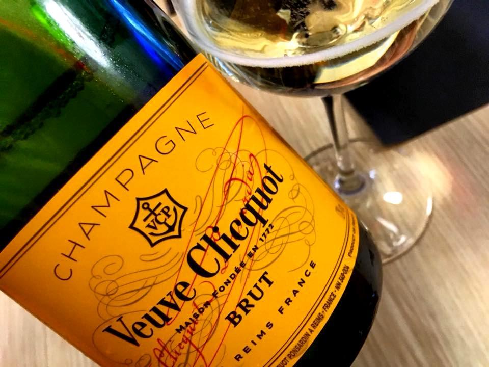 Giappo Caserta, Champagne Veuve Clicquot Brut