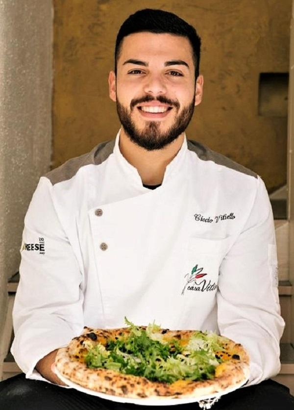 Il Pizzaiolo Ciccio Vitiello della pizzeria Casa Vitiello