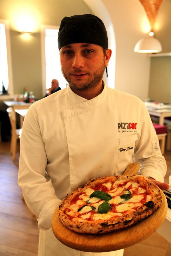 Pizzaiolo della Pizzeria Pizz'Art Ciro D'Avanzo