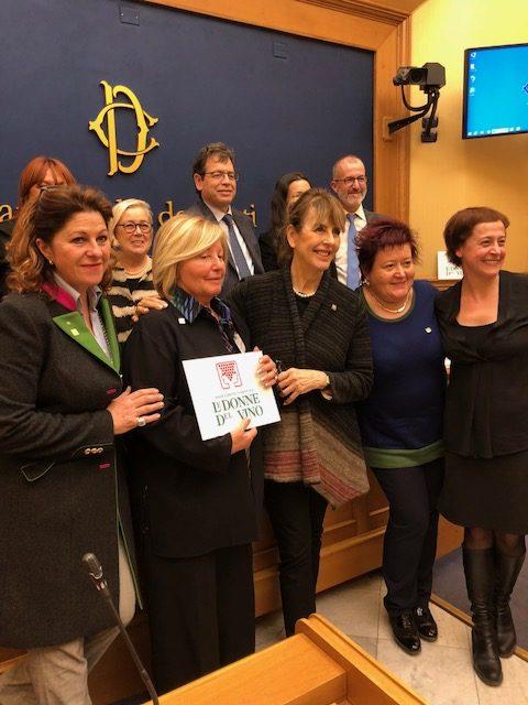 L'Associazione Nazionale Le Donne del Vino con il Presidente Donatella Cinelli Colombini e l'On. Luca Sani