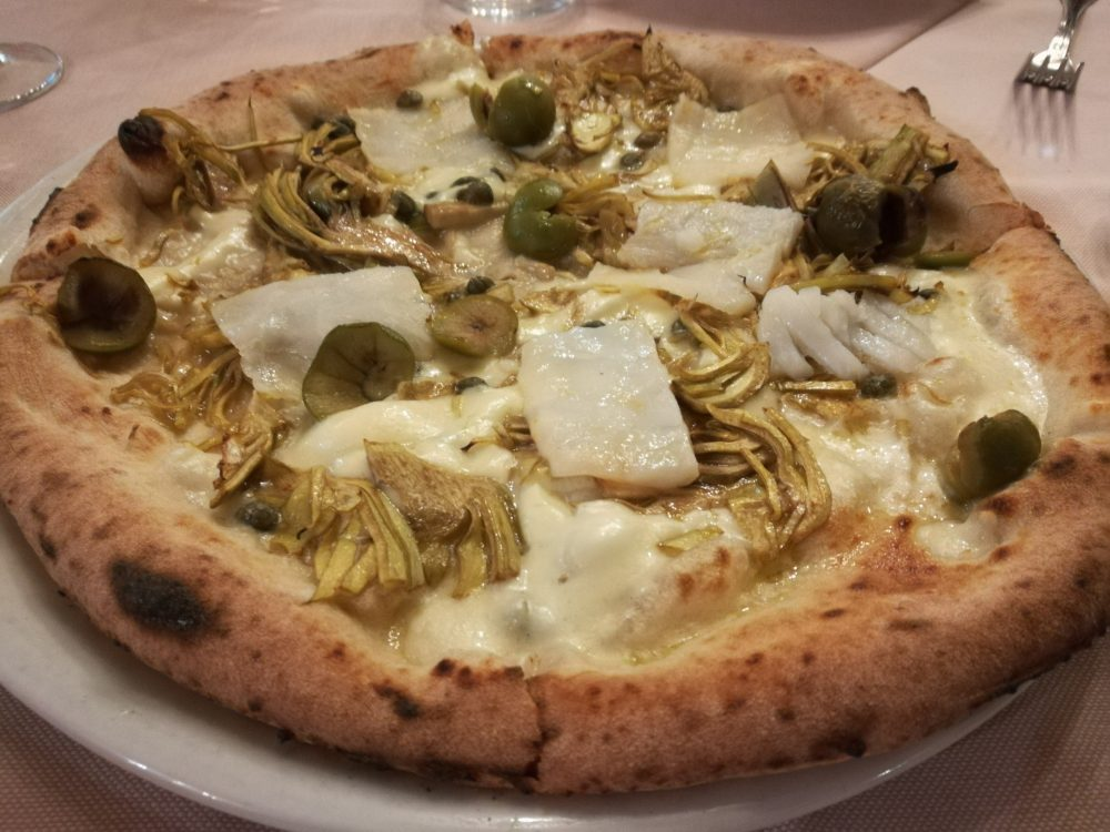 La Lanternina - La pizza con Baccala', Carciofi, Olive e Capperi
