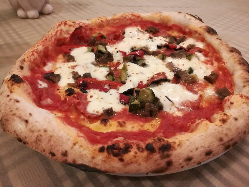 Pizzeria Donna Sophia - L'Ortolana con salame piccante