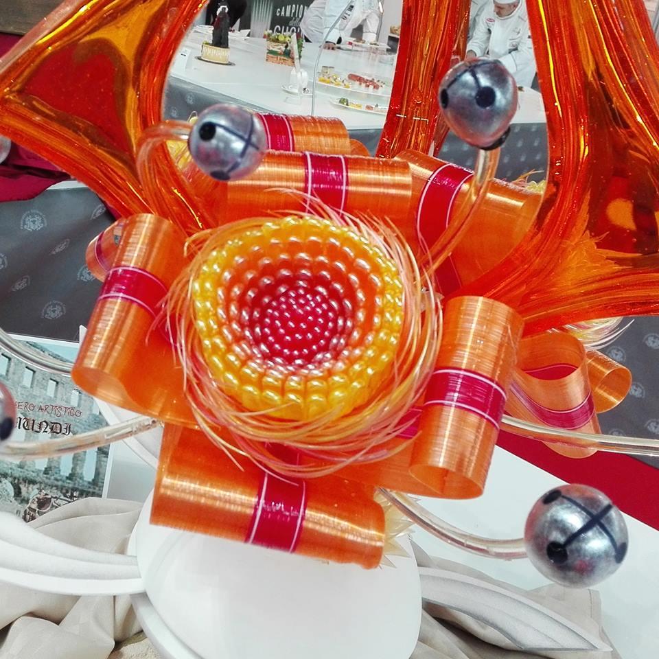Raimondo Esposito - Particolare fiore con elementi decorativi