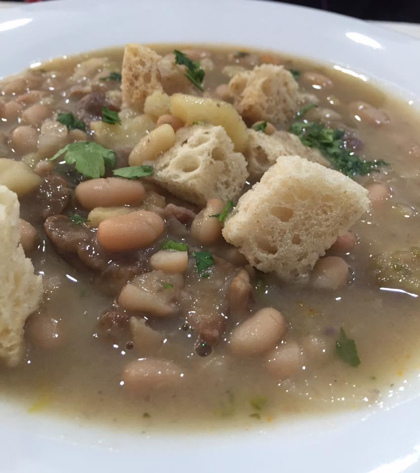 Saporitaly, zuppa di fagioli funghi e castagne