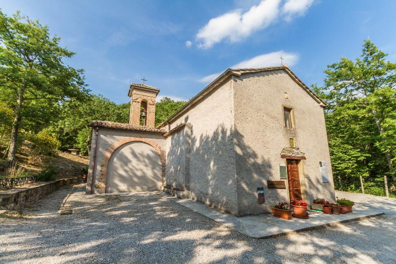 Tenuta Borgo Santa Cecilia, la Chiesa