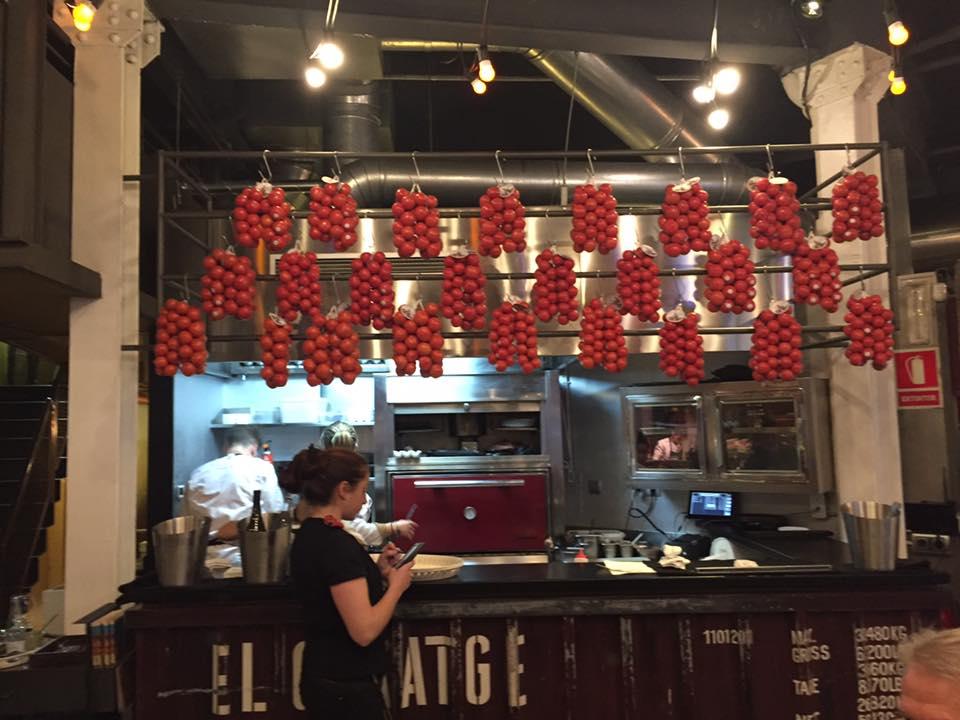 Tickets, i pomodori alla postazione del forno