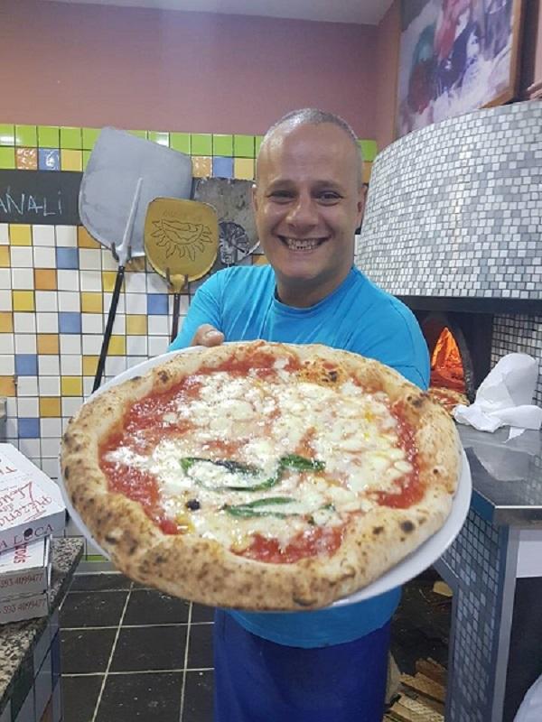 Il pizzaiolo Luca Brancaccio