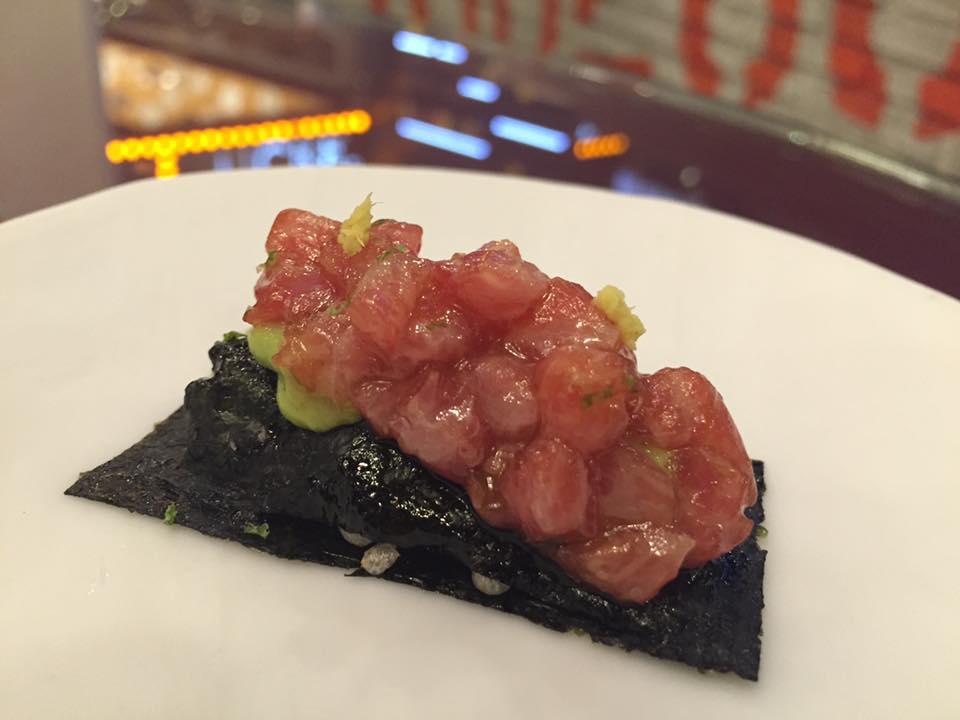 Tickets, tartare di ventresca di tonno su alga nori