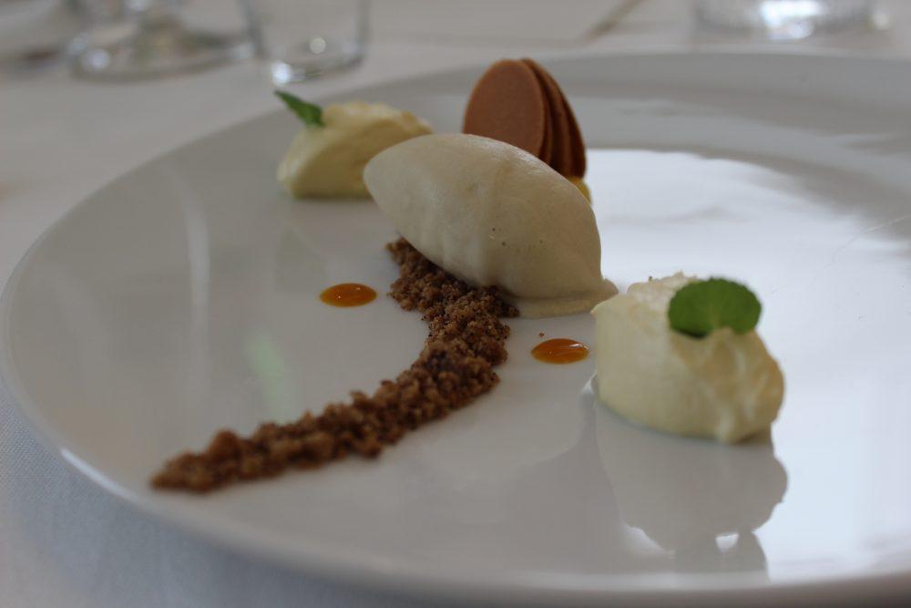 Gelato di Carciofo cremoso al cioccolato bianco e frutto della passione