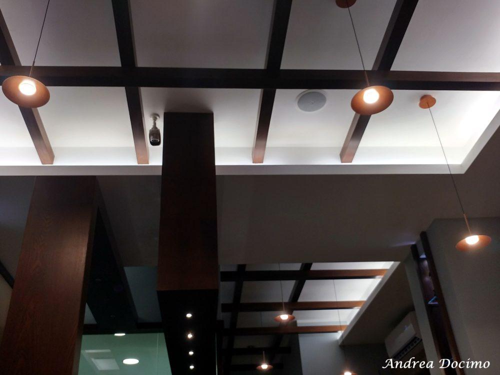 Bacalajuo' ad Acerra. Il soffitto e le luci