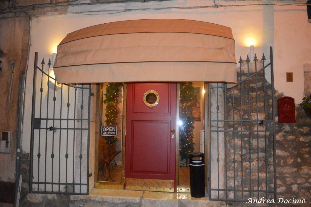 Birstrot, Montesarchio. L'entrata del locale