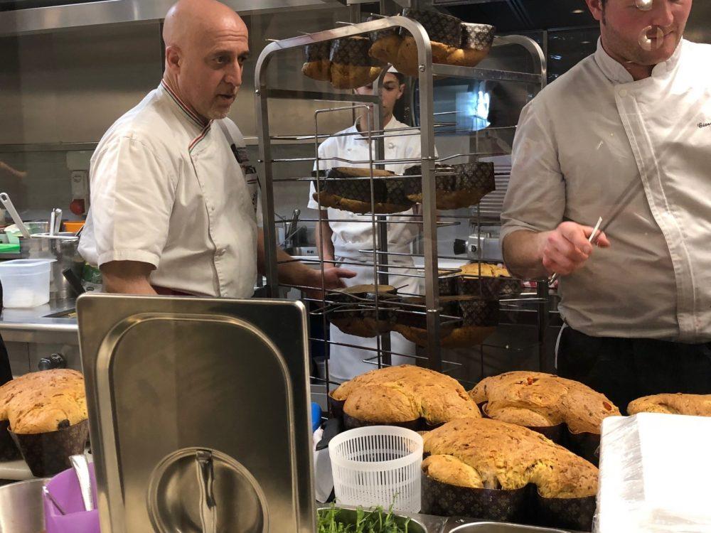 Corrado Scaglione controlla le colombe salate