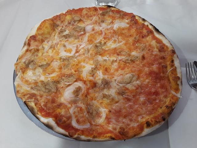 Da Baffetto - Pizza con tonno e cipolla