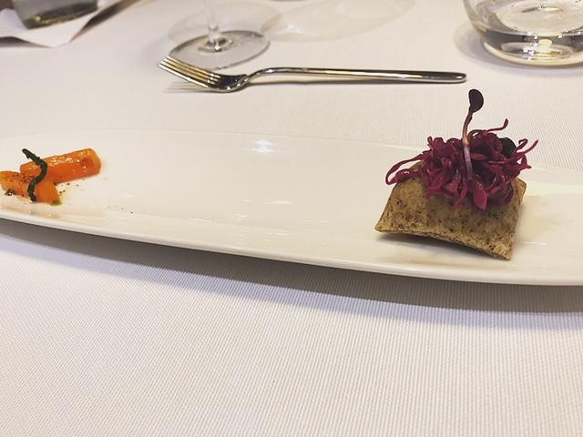 Il Clanio - Cuscino di canapa con cavolo rosso, carote e salicornia