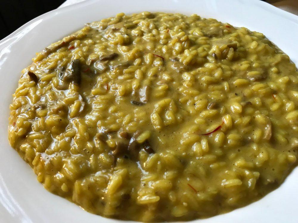 La Rava e la Fava, Biassono, risotto con pistilli di zafferano e funghi porcini secchi