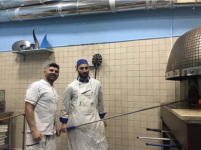 Nello Pizzeria - Nello e il suo secondo, al forno