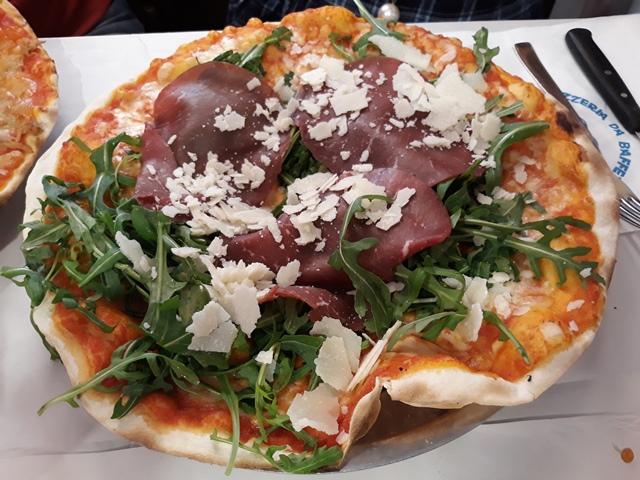 Da Baffetto, Pizza bresaola, rucola e parmigiano