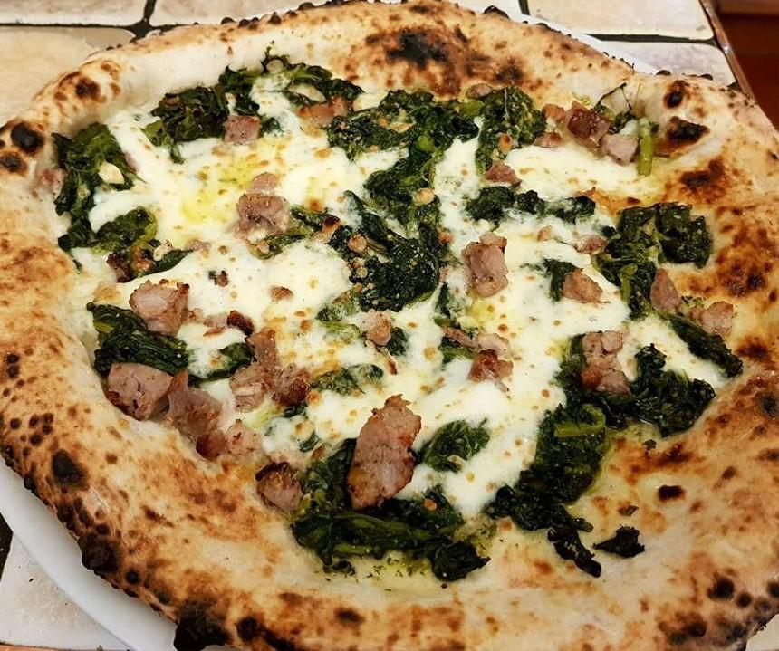 Pizza salsiccia e friarielli - Al 22