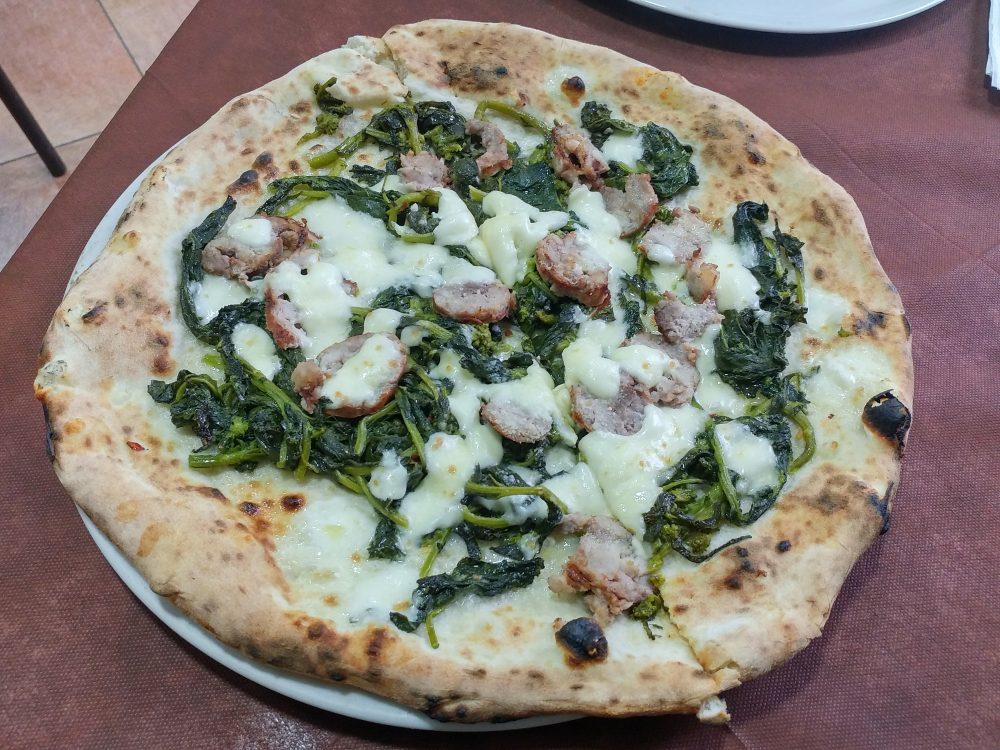 Pizza salsiccia e friarielli - Pizzeria del Popolo