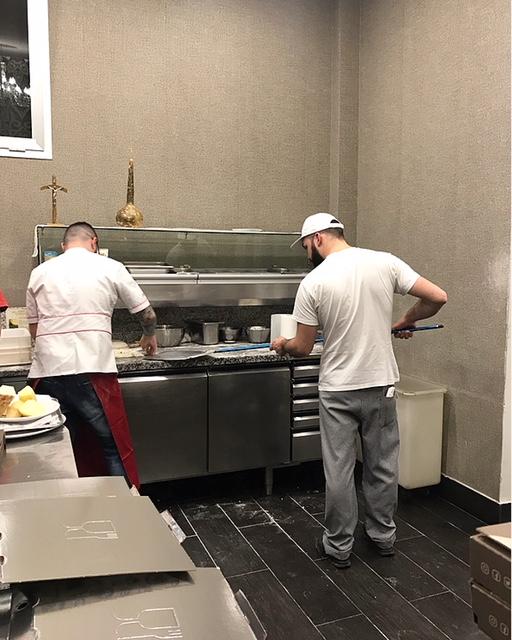 Pizzeria Bocadillo 2.0 - Gianni Ostetrico e Ciro Esattore al lavoro