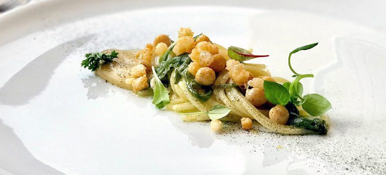 Spaghetto Maxi, Ceci di Cicerale, Mozzarella e lattuga di Mare