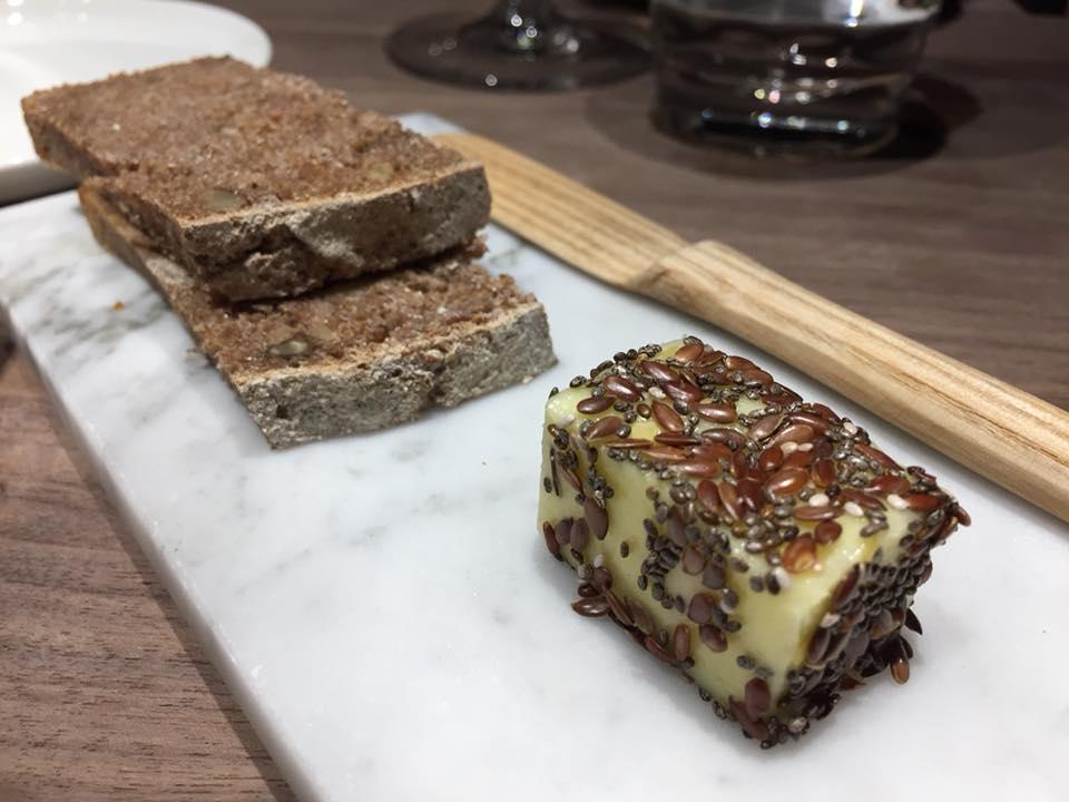 Retrobottega, pane di segale e burro salato ai semi