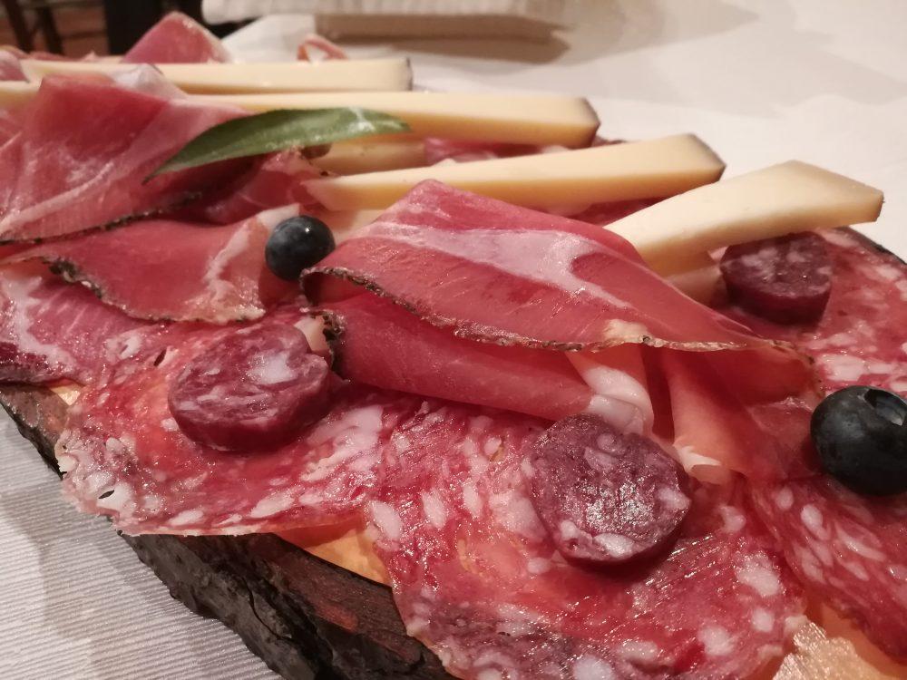 La Loggia, Salumi e formaggi