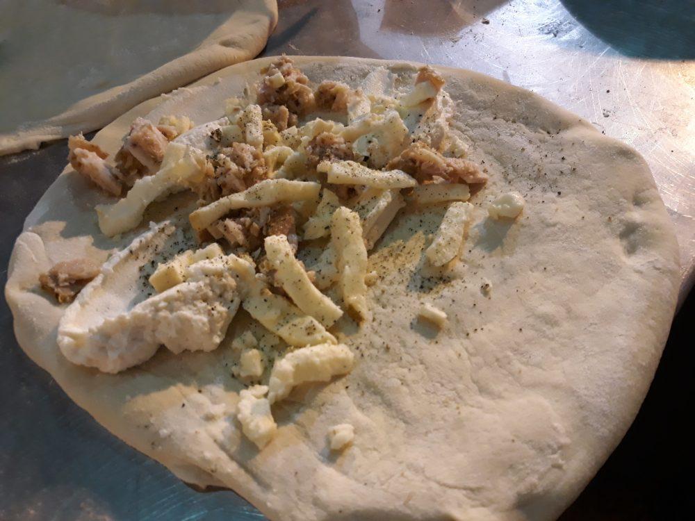 La pizza fritta dei Pelone