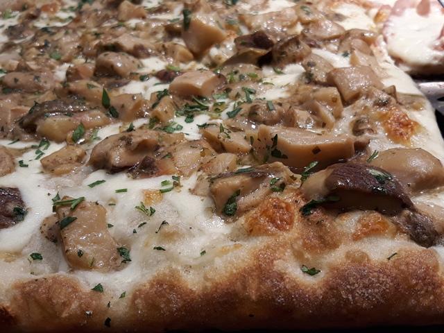 Mamma Pizza - Pizza con i porcini